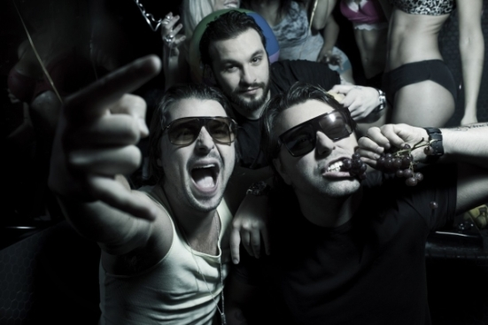 Swedish House Mafia Don't You Worry Child never miss the beat